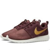 W34k8582 - Nike Roshe One Suede Mahogany & Metallic Gold - Men - Shoes