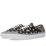S94j8145 - Vans Authentic Bandana Black & True White - Men - Shoes
